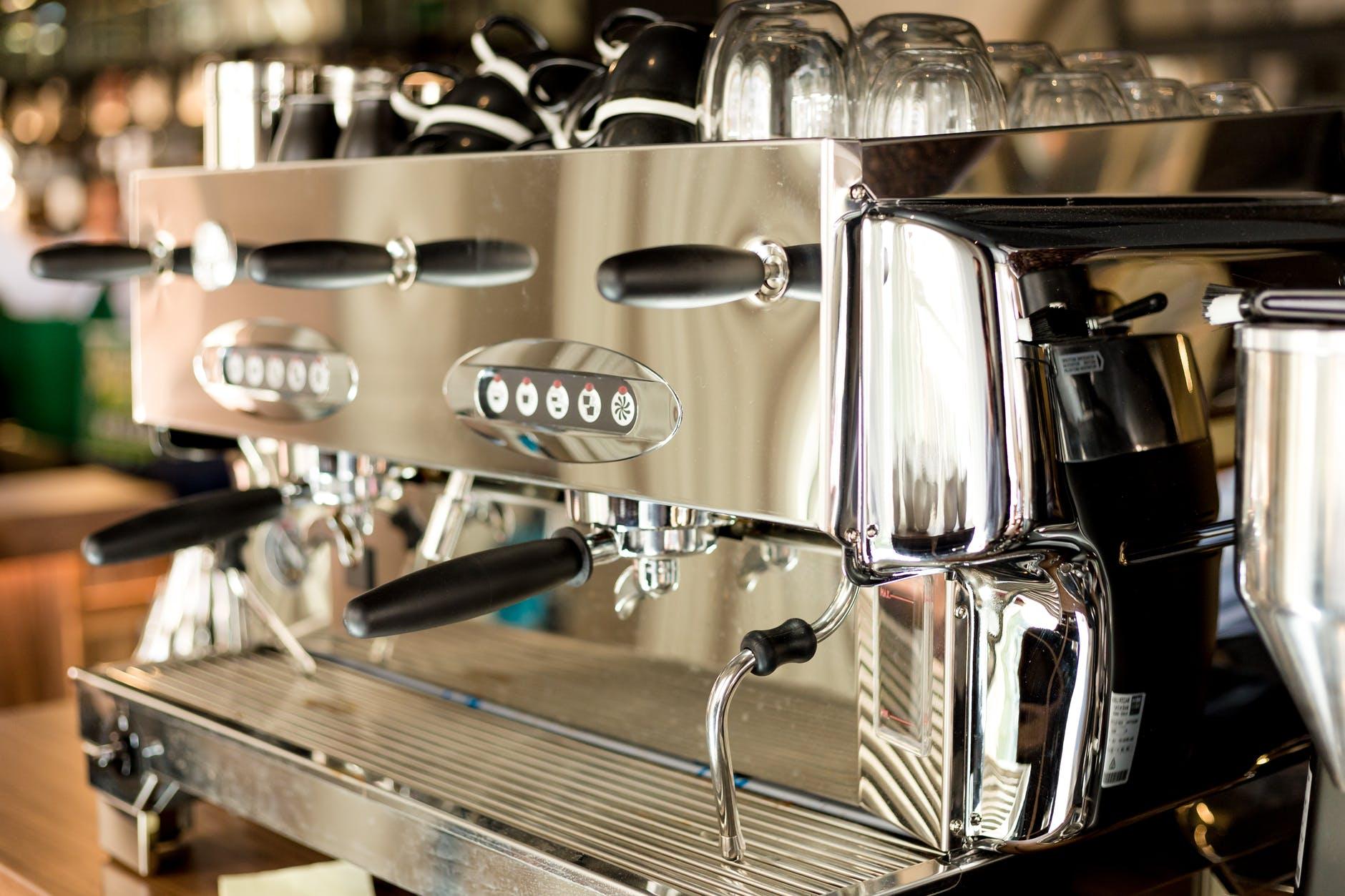 Espressomaschine auch Siebträgermaschine genannt